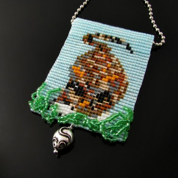 Bead loomed pendant Lurking Cat by Cat's Wire/Heathercats collaboration