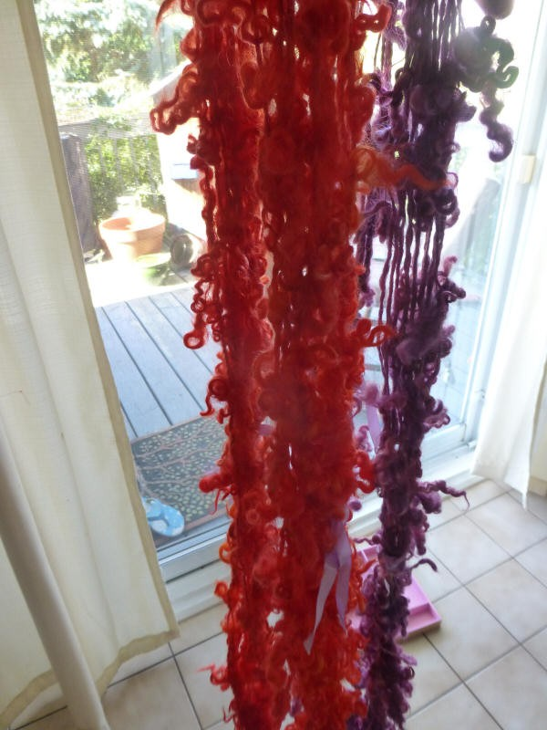 experimenting with variations of tailspinning locks handprocessed/hand dyed fleece