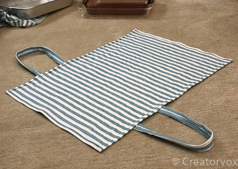 adjustable casserole dish carrier with handles