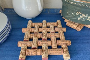 Make An Upcycled Wine Cork Trivet