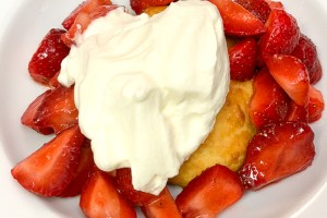 Easy And Delicious Strawberry Shortcake Recipe
