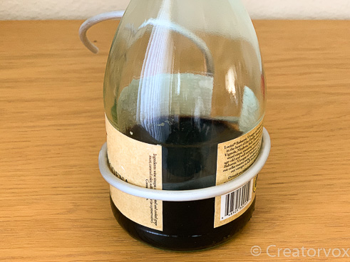 glass bottle form for making smooth armature wire curves