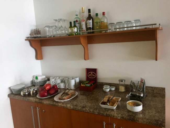Salones VIP Pacific Club food spread