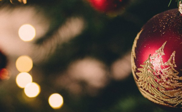Credit Card Tips To Avoid Holiday Debt