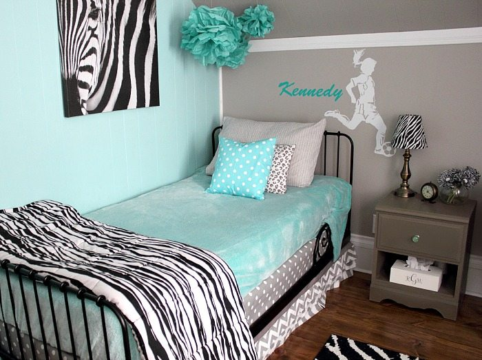 Paint Colors and Sources from Kennedys Room Makeover