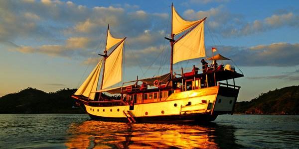 Indonesia Day 10-11 – Komodo island: Land Dragons, Sea Serpents