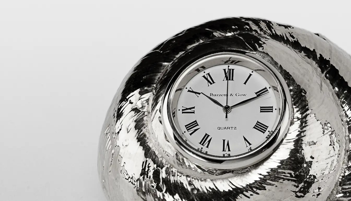 silver-rosy-top-clock