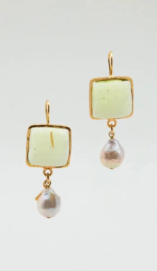 green-gold-pearl-earrings