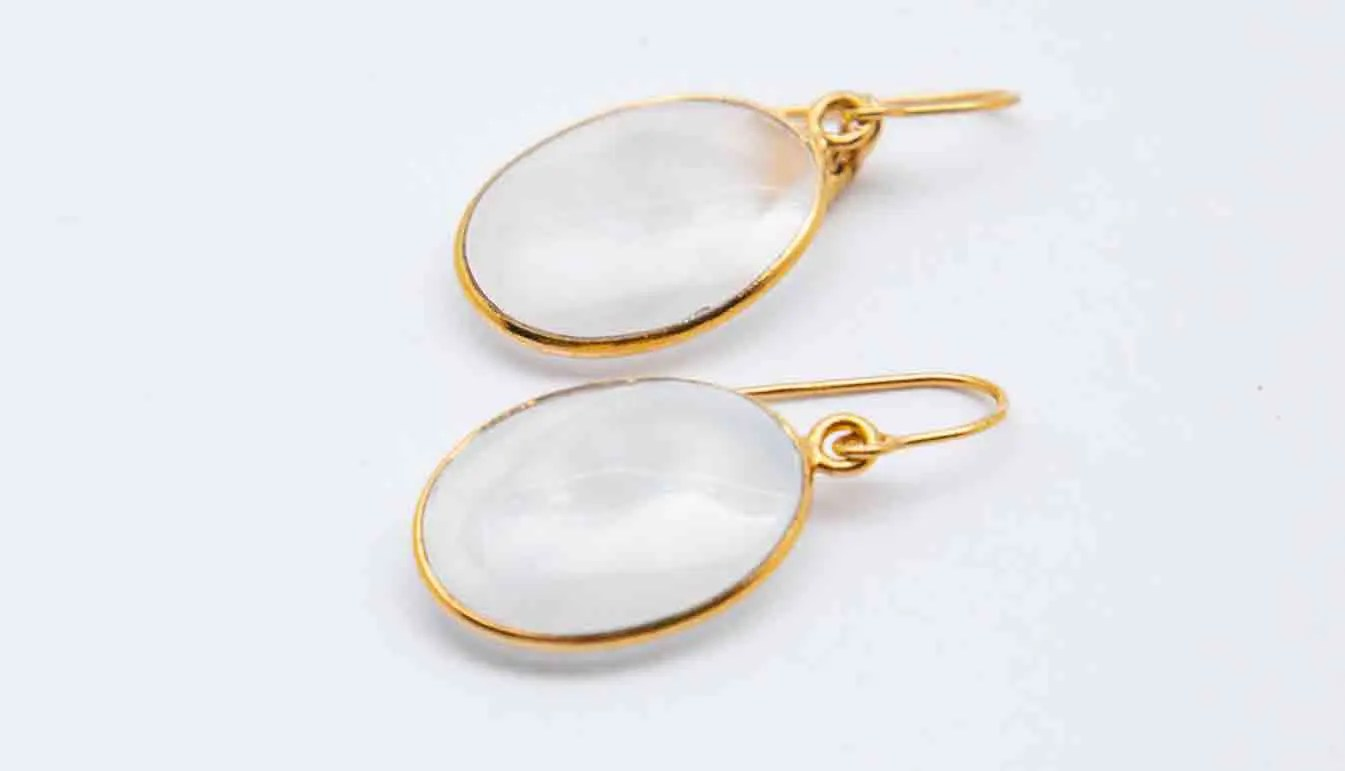 white-gold-oval-hook-earring