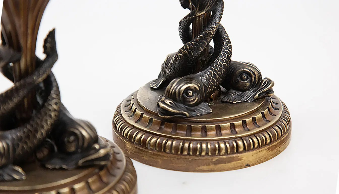 Dolphin-bronze-container