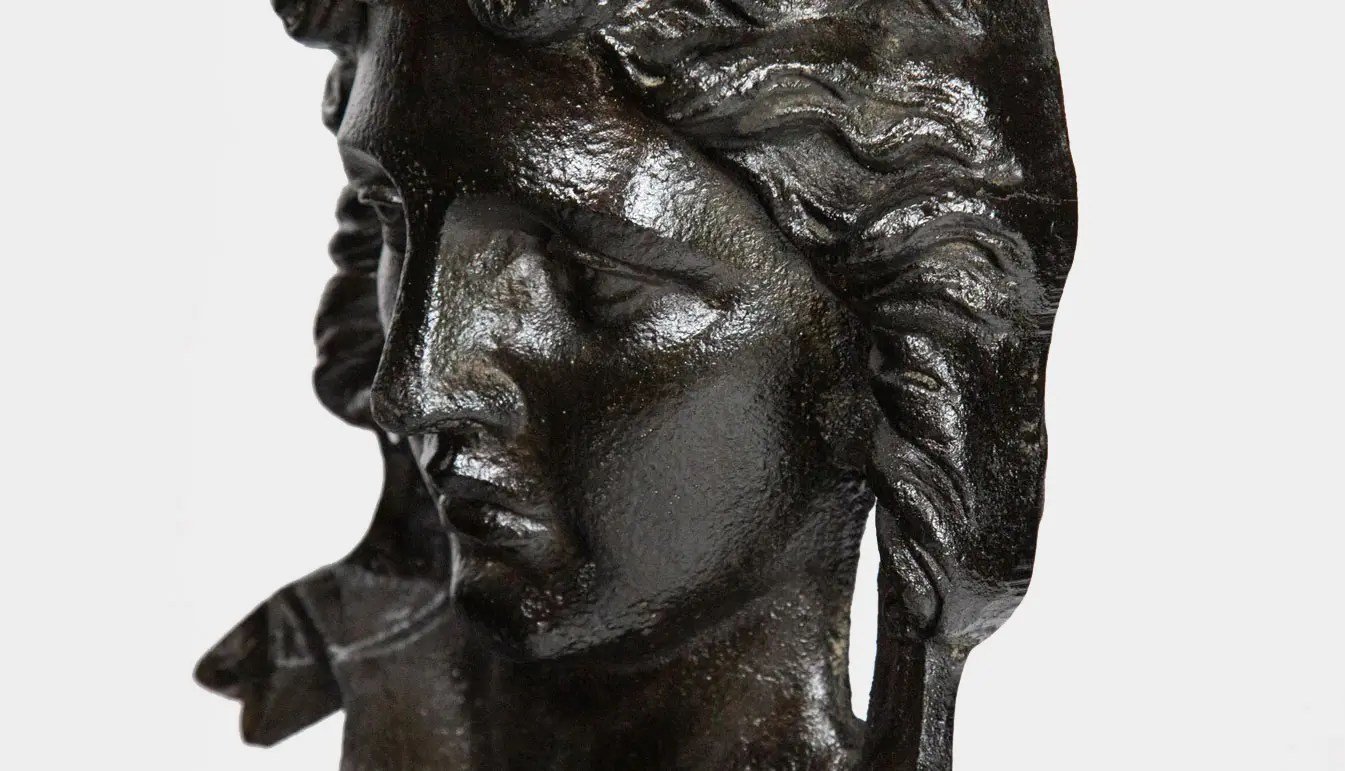 architectural-woman-bust-on-marble