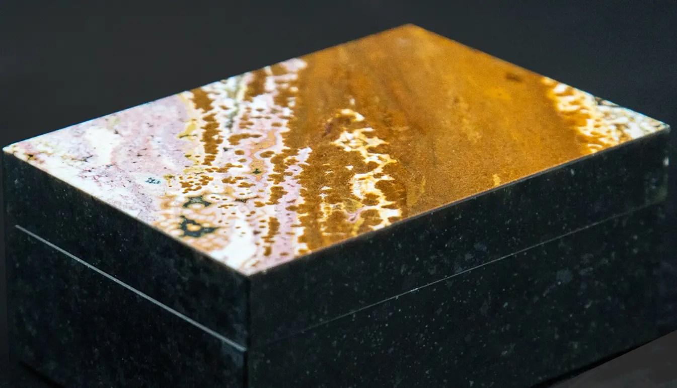 Jasper-hinged-box-on-black