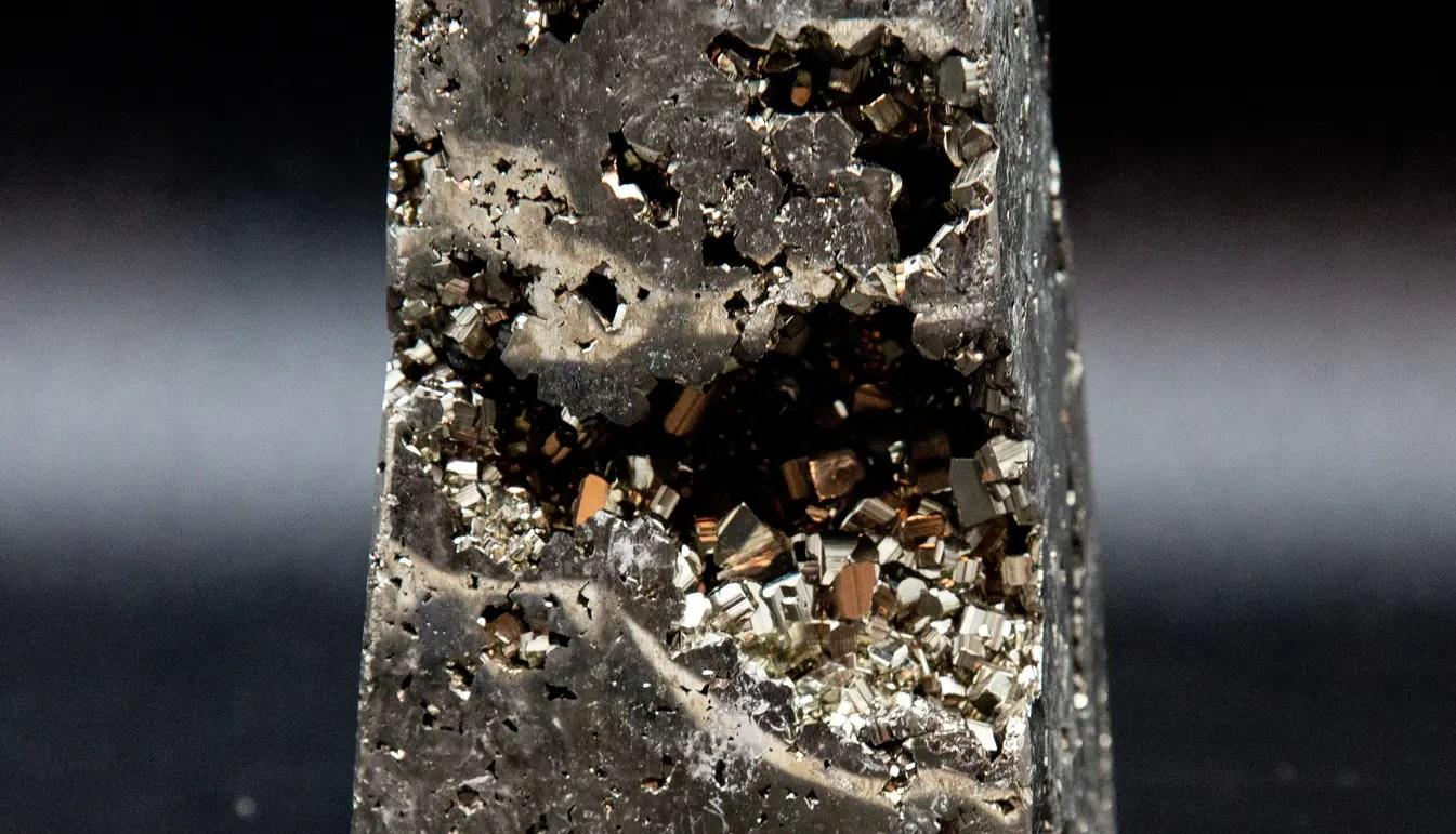 pyrite-medium-obelisk-ark
