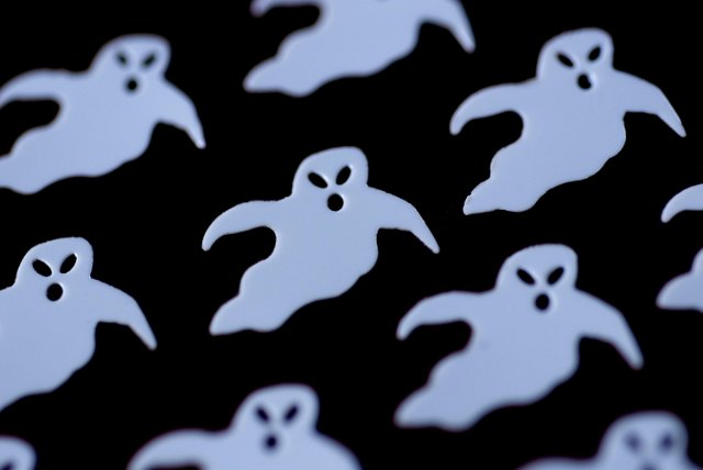 Cute Wallpaper With White Background Image Of Ghosts Backdrop Creepyhalloweenimages