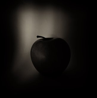 black_apple_by_lastautumnshade