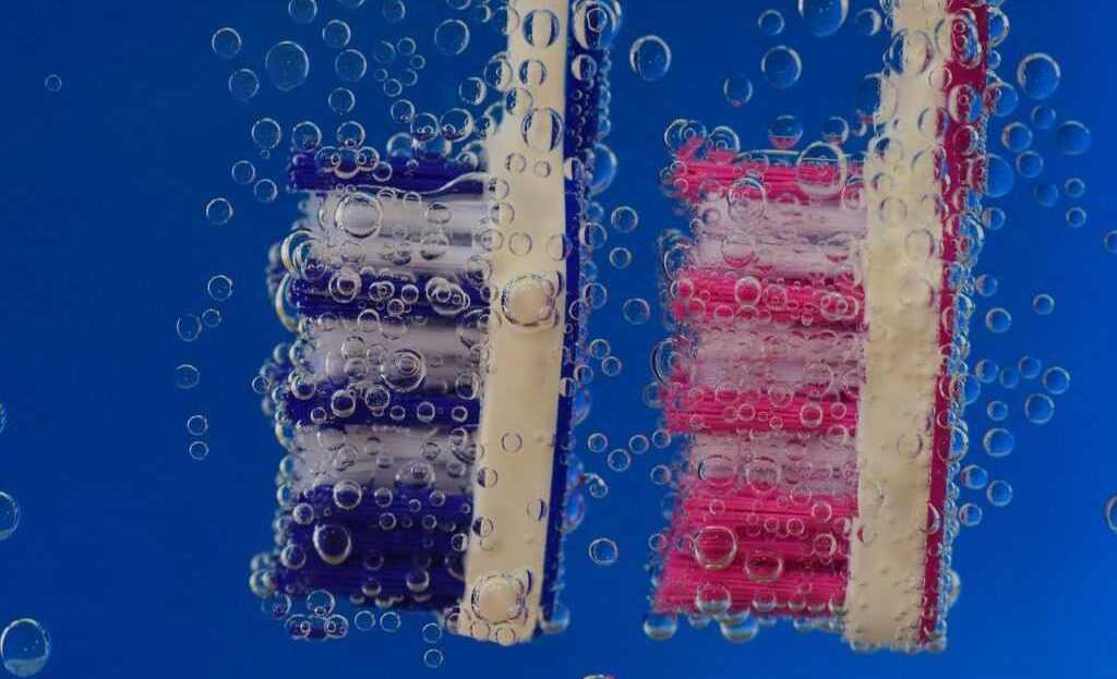 dentifricio spazzolini lavare i denti