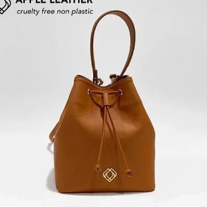BUCKET BAG – Apple Leather – Ginger Brown – with Fish Leather Details