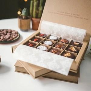 Artisan Raw Chocolates - Gift Box (Deluxe) - Sharon Herbal Cacao 001 13 540x 500x432