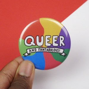 Large queer button badge – Pack of 5