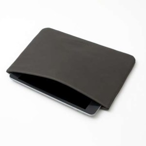 "Mini ""Snap"" Ipad case in leather"