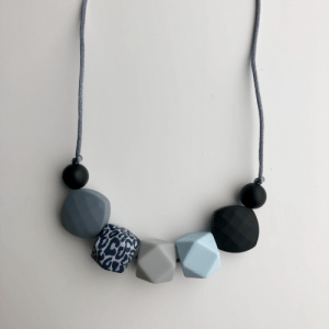 Leopard 7 bead Teething Necklace – grey cord and clasp