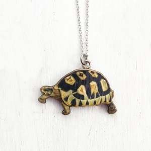 Little tortoise necklace