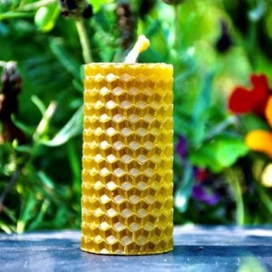 Handcrafted beeswax candle - 25g - 262101 47cd2b861585b6 500x383