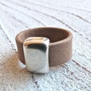 Leather ring light brown matt