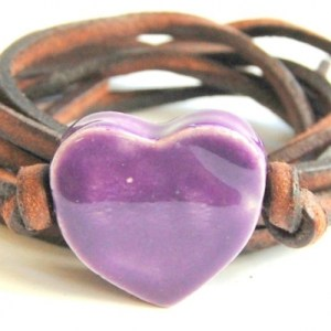 Bracelet leather cord with purple heart
