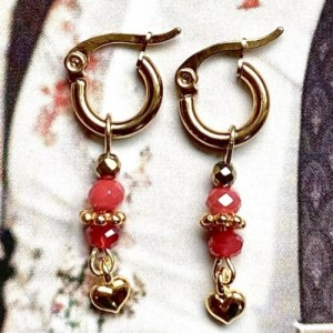 Earrings gold with red swarovski and gold heart - 5f56398b8b53159fa8697703cdbe206735365197 500x500