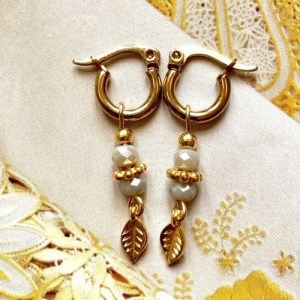 Earrings gold with taupe swarovski and leaves - d61cd1dab4cf4a220f008a58eb4d6ec5bf951a7b 500x500