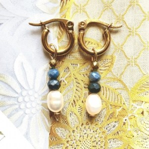 Earrings gold with blue swarovski and pearl - af15bb68254fa7e413758524cd9bbf6ed0f702e3 500x500