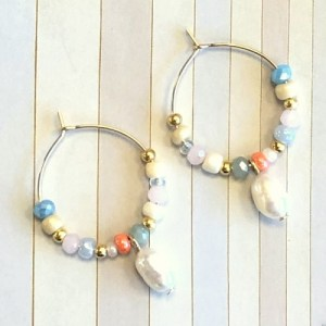 Earrings gold with pastel beads and pearl - 5964c0e507e8600d677c2b6ebc825eb28728f0b4 500x500