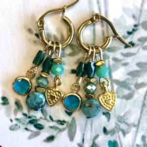 Earrings gold with green crystal, labradorite and gold charms - fbb87023672b51277dd9b807ac83ba9b153a5a6f 500x500