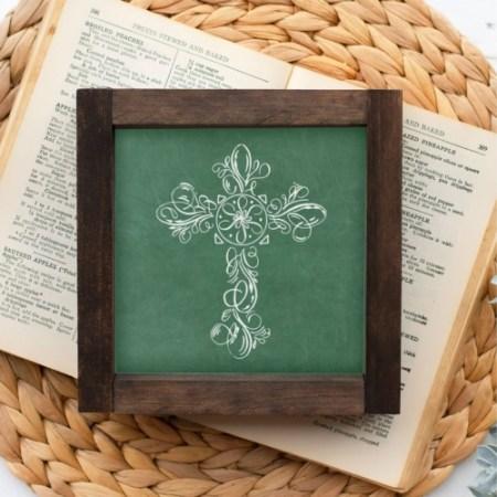 Wood Sign-Circle Cross Green Chalk 5x5