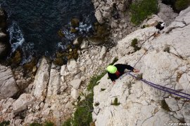 Escalade Eissadon, escalade dans les Calanques, grimpe en grande voie, escalade facile Calanques