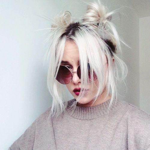cabelos platinados penteados