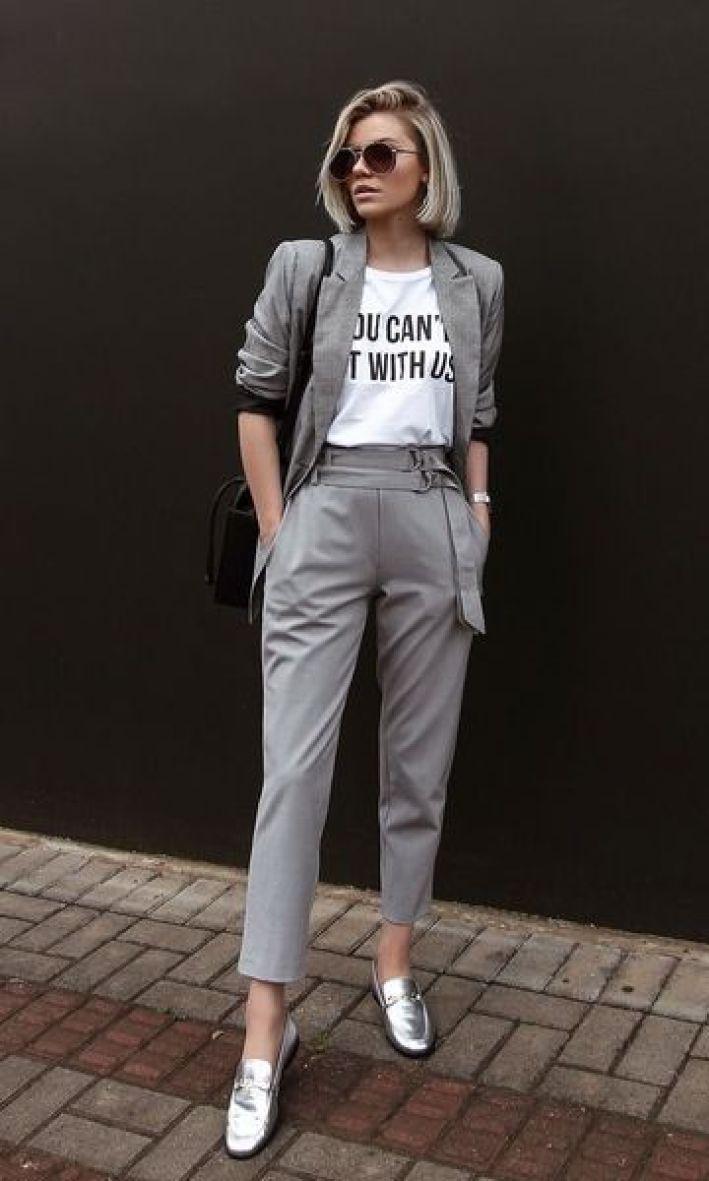 look blazer com t-shirt, calça,