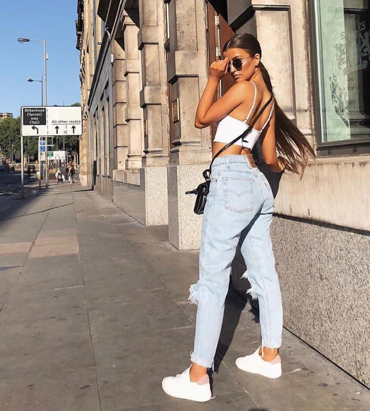 looks com calça jeans  com tênis
