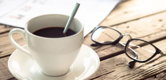 ホットコーヒーとめがね