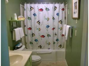 Okoboji Vacation Rental Bathroom