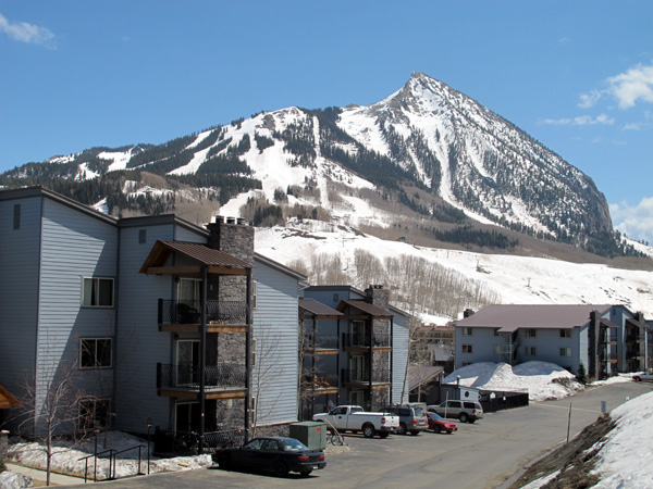 chateaux condos crested butte