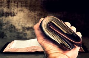 blog-bible-hand_w_wallet