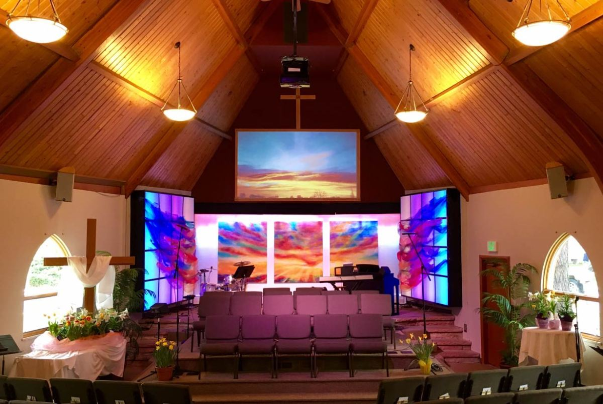 Photo of the fully decorated Easter Sunday sanctuary, 2017.