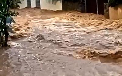 Αποκλεισμοί δρόμων λόγω βροχοπτώσεων