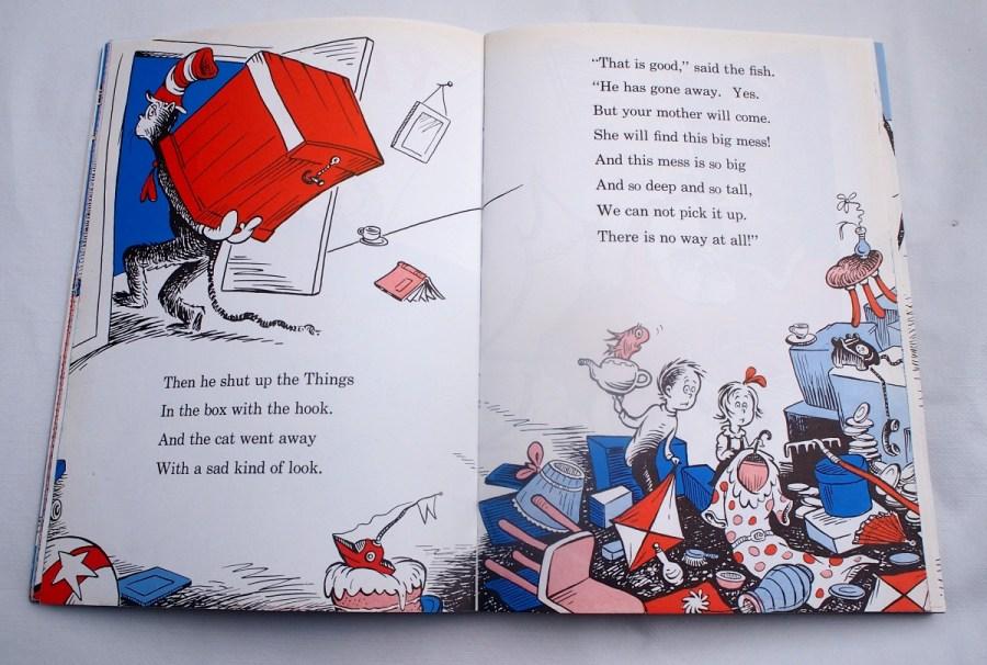 Página del libro The cat in the hat donde se ve el desastre que ha armado el gato y sus amigos