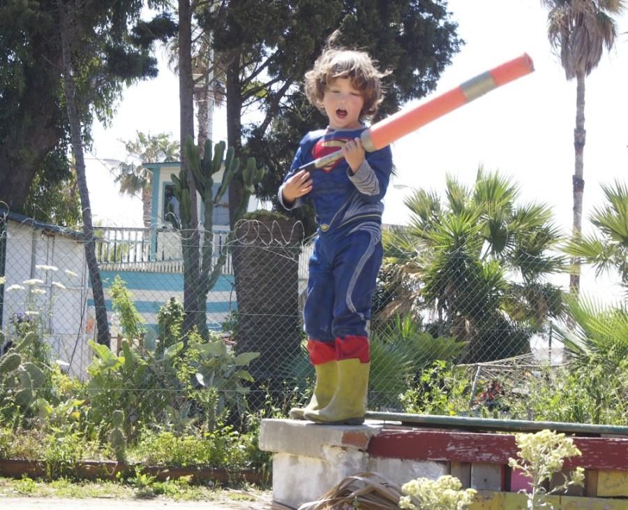 niños disfrazado de superman