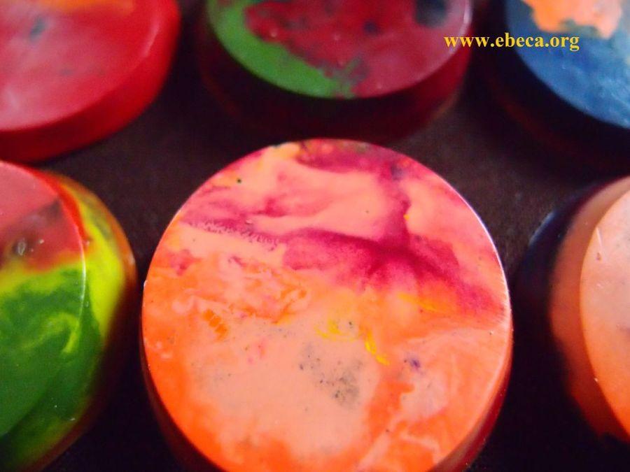 Ceras redondas con colores mezclados