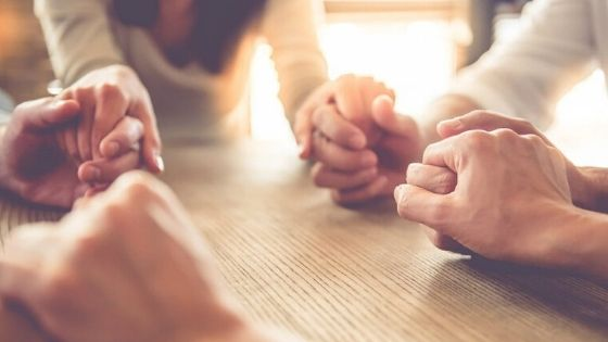 Orando la Biblia en familia por el 2020 - Crianza Reverente