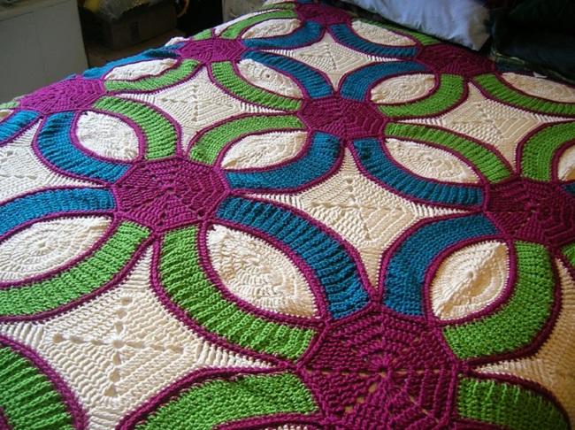 Crochet Wedding Ring Quilt